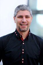 Dr Leandro Bolzoni